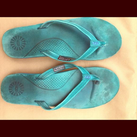 12699355ae1 UGG Women s Leather UGG Flip Flops Kayla size 8. M 5aac1ecd9d20f0b3bd27b730
